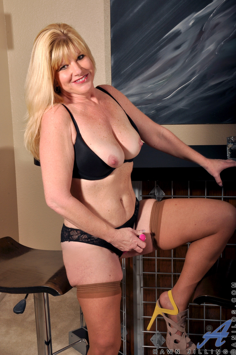 Blonde Mature Pov Doggystyle