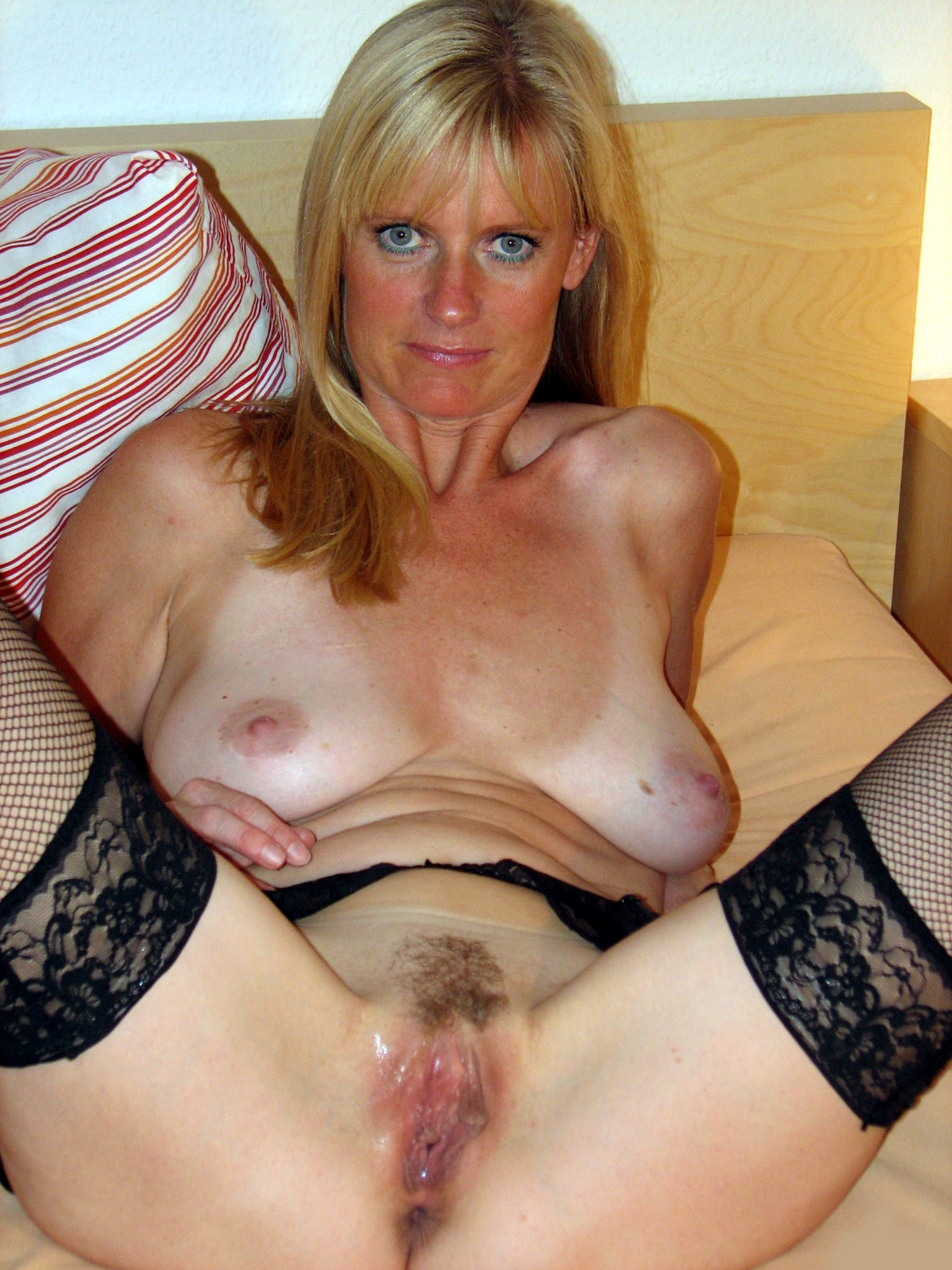 busty amatuer mature senior
